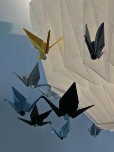Paper cranes suspended on fishing line with fimo beads Origami Lampshade, Paper Cranes, Corset Pattern, Altoids Tins, Operation Christmas Child, Origami Animals, Geek Crafts, Steampunk Diy, Gothic Jewelry