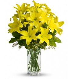 When it comes to spring flowers, the lily reigns supreme. It's easy to see why in this gorgeous bouquet of bright yellow blooms.