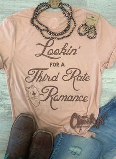 How stinkin cute is this tee!! Aren't these natural colors just adorable!! #cheekys #boutique #cheekysboutique #romance #tee Cute Country Girl, Real Country Girls, Country Girls Outfits, Country Girl Quotes, Girl Outfits, Third Rate Romance, Lyric Shirts, Country Music Shirts, Good Vibe Songs