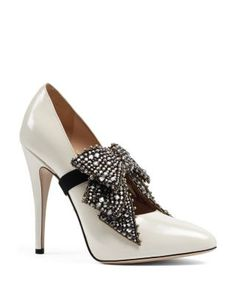 7d5829fff2a Gucci Elaisa Embellished Bow Leather Pumps Shoes - Bloomingdale s