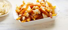Get cheesy in the kitchen with these mouthwatering recipes. Be sure to use local Canadian cheese for a delicious Canadian pleasure! Poutine Recipe, Canadian Cuisine, Cheese Pairings, Cheesy Recipes, Roasted Vegetables, Veggies, C'est Bon, I Love Food, Fall Recipes