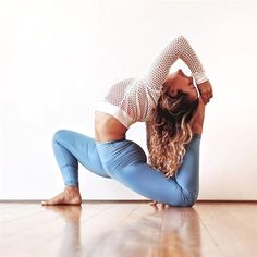 #Yoga Inspiration. Miki Ash wearing #AloYoga #YogaInspiration