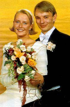 Elisabeth Ferner, daughter of Princess Astrid of Norway, marries Tom Folke Beckman in 1992.