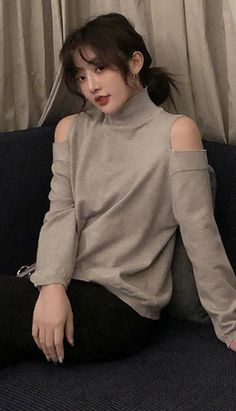 Fashiontroy Street Style long sleeves black gray oversized cold-shoulder sweater autumn winter Petite Clothing Online, Asian Street Style, Black And Grey, Gray, Fall Winter, Autumn, Cold Shoulder Sweater, Petite Outfits, Workout Wear