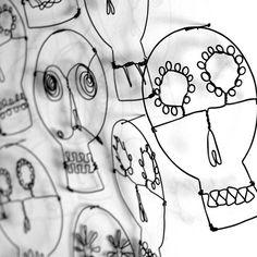 3 Wire Sugar Skulls, Day of the Dead wire art, Halloween decor, wire skull art from RawBoneStudio on Etsy. Art Fil, Day Of The Dead Skull, Shadow Art, Wire Crafts, Wire Art, Art Plastique, Skull Art, Teaching Art, Wire Jewelry