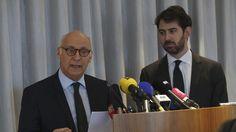 Antonin Lévy (à gauche) et Pierre Cornut-Gentille les avocats de Penelope et de François Fillon, lors d'une conférence de presse.