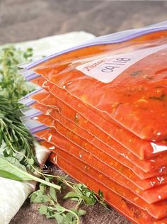 Best Tomato Recipes Bountiful harvest is the best time to make this Simple Roasted Tomatoes Recipe Perfect For Freezing. Intense, robust flavour with little effort. Freezing Tomatoes, Freezing Vegetables, Grow Tomatoes, Freezing Tomato Sauce, Veggies, Baked Parmesan Tomatoes, Oven Roasted Tomatoes, Fresh Tomato Recipes, Vegetable Recipes
