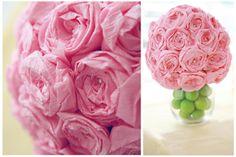 fleur en papier crepon, decoration de roses