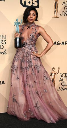 We Have Lots of Thoughts and Feelings about Taraji P. Henson's Dress at the SAG Awards Sag Awards, Awards 2017, Taraji P Henson, Black Actresses, Flawless Beauty, Perfect Pink, Beautiful Gowns, Stunning Dresses, Simply Beautiful