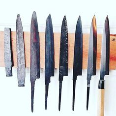 Stages of Japanese knife making – Willkommen bei Pin World Knives And Tools, Knives And Swords, Japanese Kitchen Knives, Trench Knife, La Forge, Forged Knife, Forging Knives, Knife Sharpening, Chef Knife