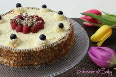 Oggi vi presento la mia torta biscottata con cioccolato bianco é una torta speciale perché non va in forno infatti é molto semplice da fare si preparara al