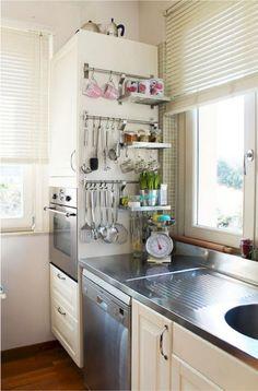 60 ideas for clever and clean kitchen storage - furnish your home - . - 60 ideas for clever and clean kitchen storage up - Small Kitchen Storage, Kitchen Remodel, Kitchen Decor, Kitchen Remodel Small, Home Kitchens, Kitchen Utensil Storage, Diy Kitchen, Kitchen Renovation, Kitchen Design
