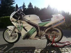 Skorpion Fotka uživatele MZ Zschopau. Motorbikes, Action, Motorcycle, Vehicles, Scorpion, Group Action, Motorcycles, Motorcycles, Car