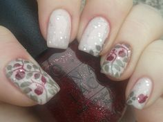 snow white mani using moyou london landscape collection 3 stampingplate. I love fairytales