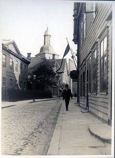 Fra Kong Oscars gate mot Domkirken (ca. 1924) Foto: Olai Schumann Olsen - Gamle Bergen Museum.