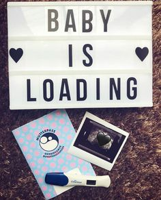 55 Creative Pregnancy Announcement Ideas to Totally Steal Getting techie. Cute Baby Announcements, Creative Pregnancy Announcement, Pregnancy Announcement Photos, Pregnancy Photos, Pregnancy Tips, Baby Surprise Announcement, Pregnancy Acne, Pregnancy Timeline, Pregnancy Belly