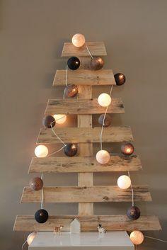 Weihnachtsbaum mit Paletten