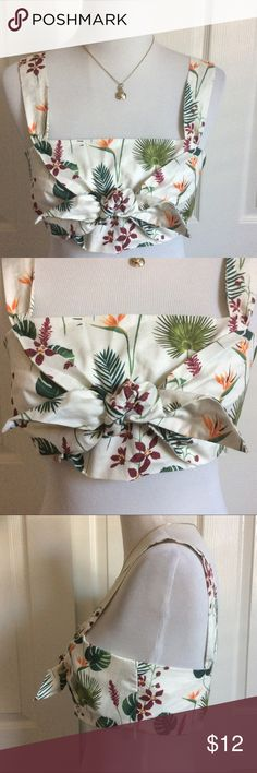 "Floral Cotton Crop Top NWT Floral cotton crop top with tie front. side zip. Fabric and lighting or 100% cotton. Little stretch. Should fit up to 36C, imo. Measured laying flat & across: 17.5""B. Zara Tops Crop Tops"