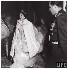 The Wedding Dress - Soraya Esfandiary Bakhtiari in a mink coat over her wedding dress Royal Brides, Royal Weddings, Persian Princess, Royal Marriage, Farah Diba, Persian Culture, People Icon, Portraits, King George