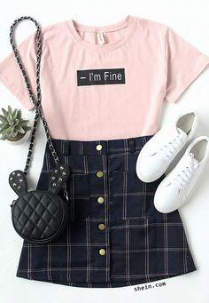 Looks com camisetas bem humoradas New Year, New Vibe! Looks with humorous t-shi Teen Fashion Outfits, Mode Outfits, Cute Fashion, Outfits For Teens, Girl Fashion, Womens Fashion, Pink Outfits, Fashion Ideas, Fashion Boots