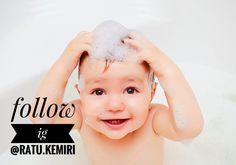 Bagaimana tips mudah menjaga kesehatan rambut bayi? Simak infonya berikut ini.