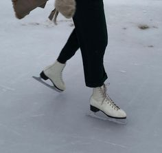 look here fashion random Ice Skating, Figure Skating, Winter Wonderland, Winter Christmas, Fall Winter, Winter Time, Merry Christmas, Geek House, We Heart It