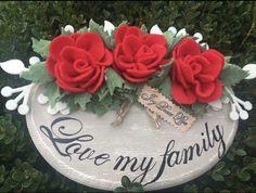 Ovale in legno decorazioni fatte a mano con il cuore visita la nostra pagina fb creazioni di Lilli #hobby #natale #love #decorazioni #legno #style #design #novità