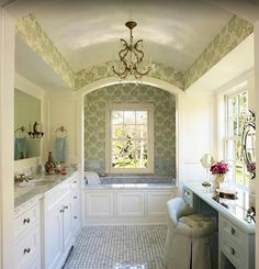 Wow! I'd love this bathroom. Gorgeous.