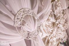 Fehér textil és erős fény! Remek párosítás.