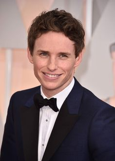 OMG I AM DYING WE HAVE A RELEASE DATE NOVEMBER 16 2016 AND ITS WITH MY BAE EDDIE REDMAYNE IM DYING!!!!!!