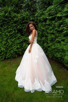 dcd20c54dbdd 13 najlepších obrázkov z nástenky Wedding Dress  Svadobné šaty ...