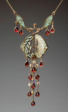Art Nouveau gold necklace, after 1900, Museum of Decorative Arts Prague, Czech Republic
