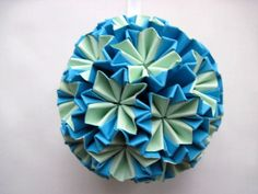 Paper Origami Bauble via Etsy.