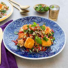 Ima's Haloumi Fattoush with Arabian Salad I Foods, Cobb Salad, Nom Nom, Salads, Recipies, Clean Eating, Curry, Lemon, Snacks