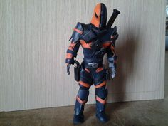 Fandom Friday: #SuicideSquad Collectibles You Can't Say No To - Deathstroke leather figure