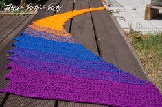 Die 119 Besten Bilder Von Drachenschal Knit Shawls Knitted Shawls