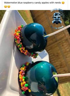 Watermelon blue raspberry candy apples with nerds - Imperial Crown Entertainment Blue Candy Apples, Gourmet Candy Apples, Blue Desserts, Gourmet Desserts, Chocolate Covered Apples, Caramel Apples, Nerds Candy, Imperial Crown, Baking Business