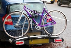 With something to suit all pockets, here are the best opportunities out there for securely transporting your bike by a car. 4 Bike Rack, Best Bike Rack, Thule Bike, Car Roof Racks, Pontiac Solstice, Car Trunk, Smart Car, Cool Bikes