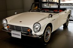 Honda S600 (@ Honda Museum Motegi, JPN)