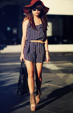 Love the floppy hat - perfect summer outfit
