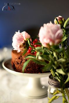 Peonies and choco cake! http://lacucinadicalycanthus.net/wp-content/uploads/2015/06/DSC_4910.jpg