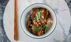 Stir Fried Eggplant with Thai Basil Vegaterian Recipes, Stir Fry Recipes, Quick Recipes, Asian Recipes, Healthy Recipes, Ethnic Recipes, Healthy Foods, Egyptian Food, Gourmet
