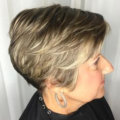 Stunning Tips: Pixie Hairstyles Purple messy hairstyles with glasses.Updos Hairstyle Coiffures waves hairstyle middle part.Women Hairstyles Over 50 Outfit. Hairstyles With Glasses, Hairstyles Over 50, Fringe Hairstyles, Short Hairstyles For Women, Messy Hairstyles, Layered Hairstyle, Brunette Hairstyles, Latest Hairstyles, Beehive Hairstyle