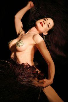 dita von teese make up corset photo: Dita Von Teese DitaVT_zpsee5cf5b2.jpg