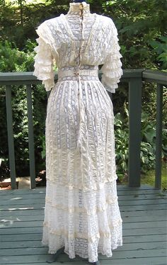 Antique Victorian / Edwardian Netted Lace & Ribbon Tea Dress ... Early 1900s