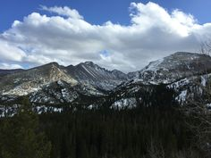 Snow covered mountains in Rocky Mountain National Park