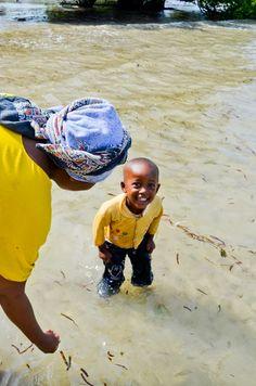 mollyinkenya:    Sulie splashing around in the Indian Ocean.Photography bymollyinkenya.