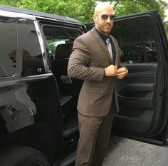Antonio Cesaro, Best Wrestlers, Sheamus, Wrestling Superstars, Good Looking Men, Gorgeous Men, Superman, Wwe, How To Look Better