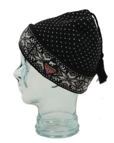 This beautiful adult Norwegian wool hat with traditional Nordic snowflake design is the perfect winter staple. Perfect hat to keep you dry and warm in any adventure. Snowflake Designs, Hat Making, Magenta, Snowflakes, Wool Hats, Beanie, Pure Products, How To Wear, Sweater