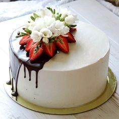 Cake Cookies, Cupcake Cakes, Drip Cakes, Occasion Cakes, Buttercream Cake, Fancy Cakes, Pretty Cakes, Creative Cakes, Celebration Cakes